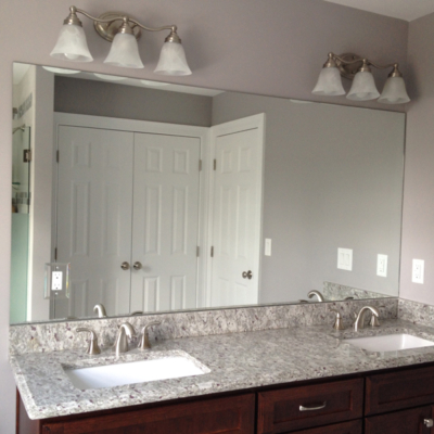 Wall to wall vanity mirror